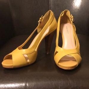 Nine West Yellow heels, size 8.5M, gently used